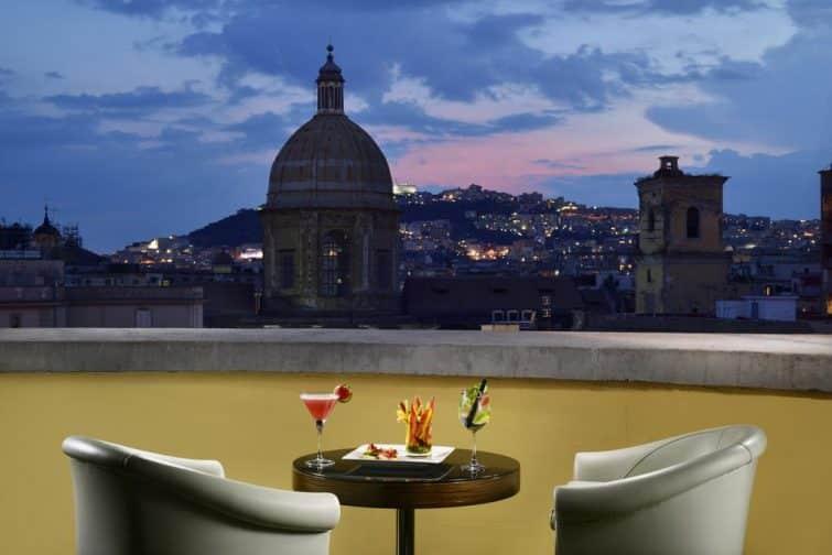 Le Vesuvio Roof Bar & Restaurant