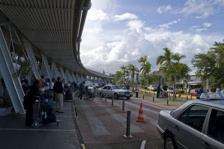 parking aéroport martinique