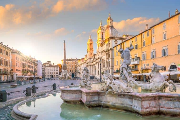 Piazza Navona à Rome, Italie au crépuscule