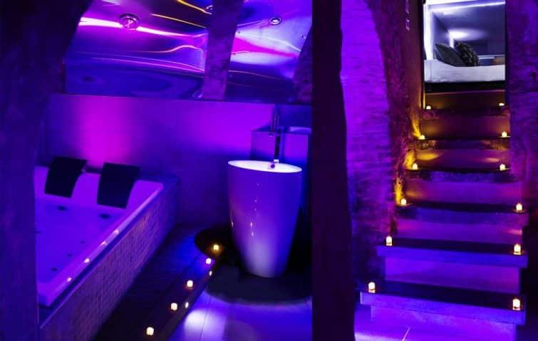 Chambre et spa à l'hôtel Private Room & Spa, Lille