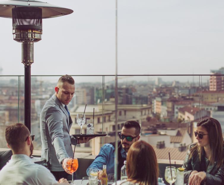 Radio rooftop bar, Milan