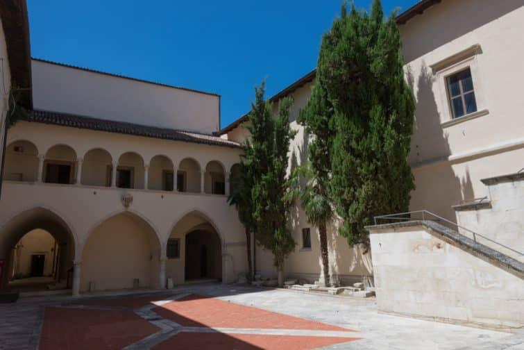 Le Complesso della Santissima Annunziata à Sulmona
