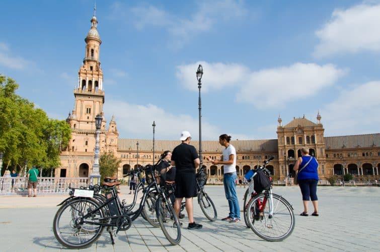 Faire une visite guidée de Séville, à vélo