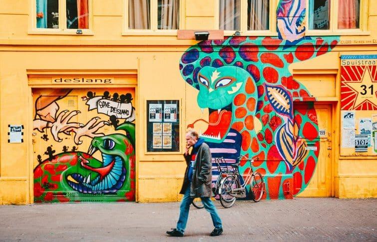 Oeuvre de street art à Amsterdam