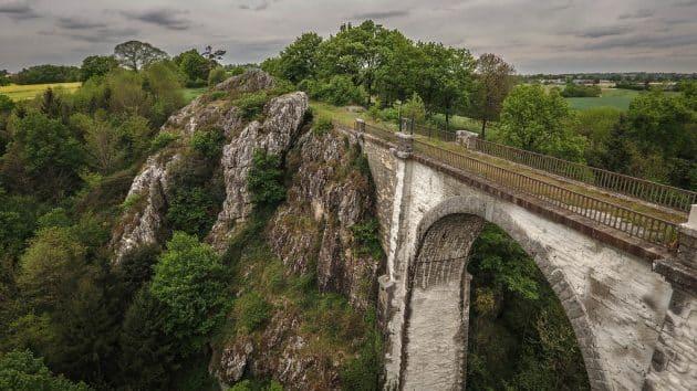 Le viaduc de Coquilleau : le spot où faire du saut à l'élastique en Bretagne