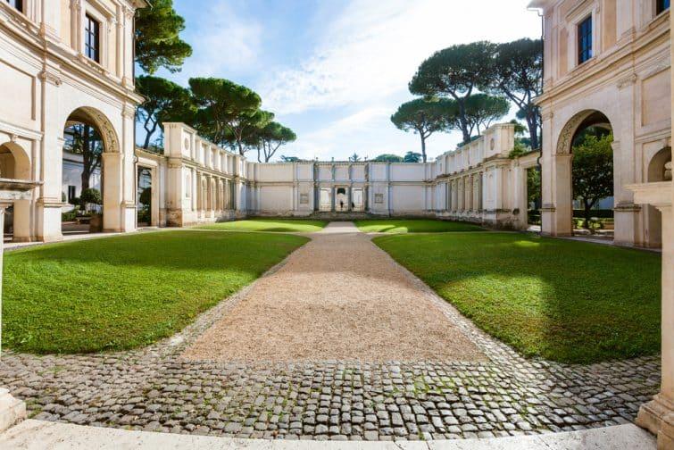 Cour intérieure dans la Villa Giulia, Rome