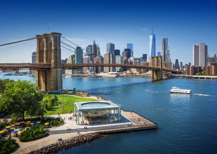 Brooklyn Bridge à New York - vue aérienne