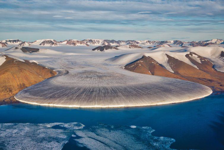 Glacier des pieds d'éléphant au nord du Groenland