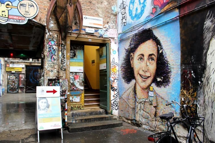 Anne Frank Zentrum, steet art à Haus Schwarzenberg, Berlin