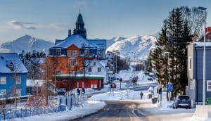 La ville de Tromso en hiver, en Norvège du Nord.