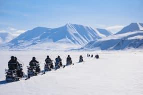 Le ciel polaire arctique du Nord ensoleillé en Norvège
