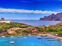 Panorama de la baie de Girolata en Corse