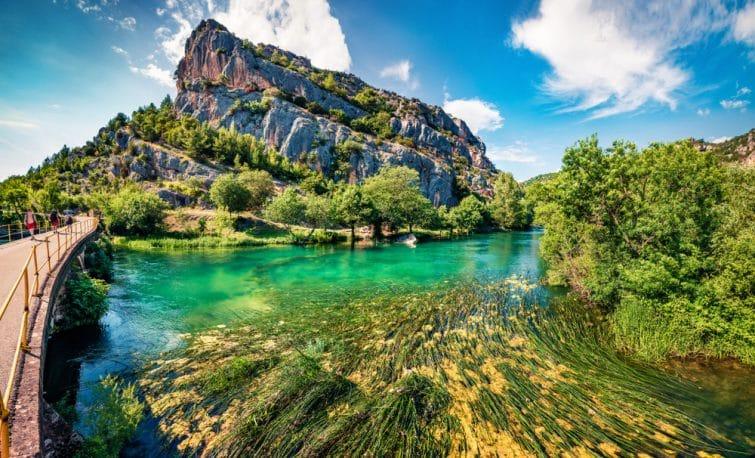 Superbe vue estivale sur le parc national de Krka, emplacement de Roski Slap, Croatie,