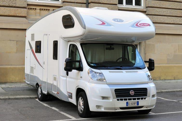 Le modèle capucine, idéal pour louer un camping-car en France