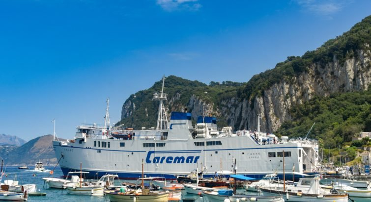 caremar ferry capri