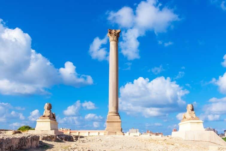 Colonne de Pompée et sphynx, Alexandrie