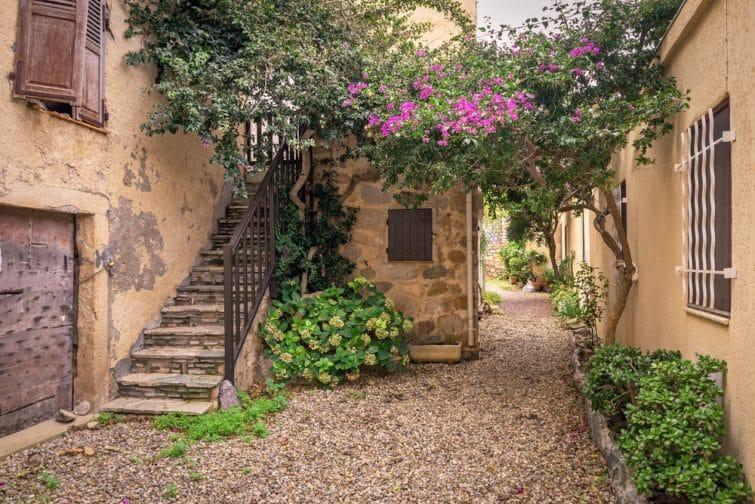 Le charmant village d'Algajola