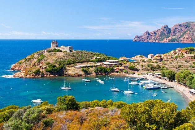 13 week-ends insolites en amoureux en Corse