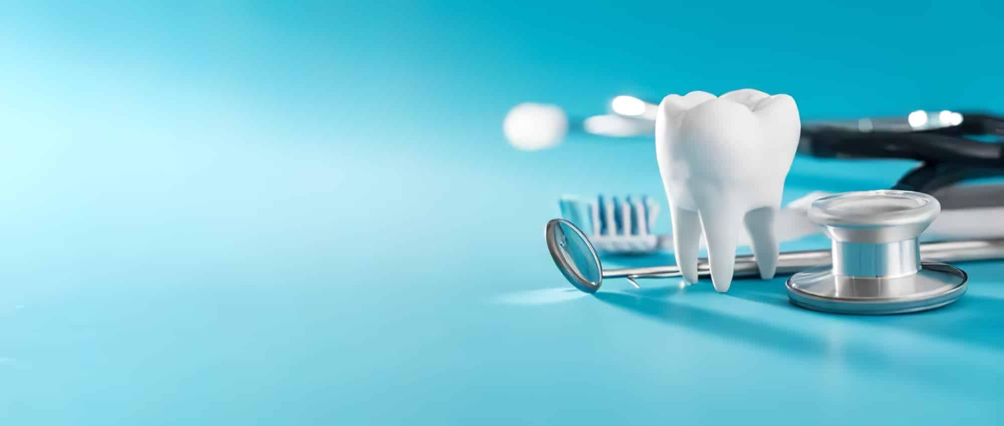 Frais dentaires et assurance voyage : mariage possible ?