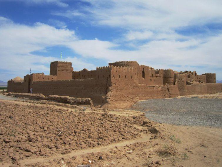 La forteresse de Saryazd