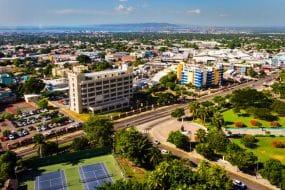 Vue aérienne de Kingston en Jamaïque