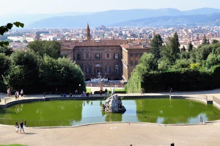 Le Palazzo Pitti, vu des Giardini di Boboli
