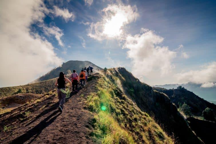 Groupes de randonneurs au Mont Batur, Bali