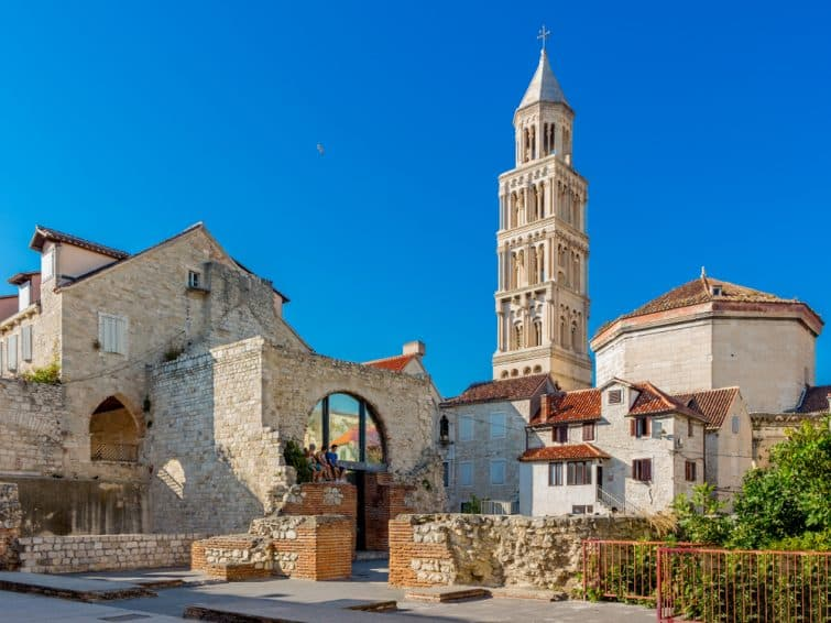 Vue sur le campanile de la Cathédrale Saint-Domnius