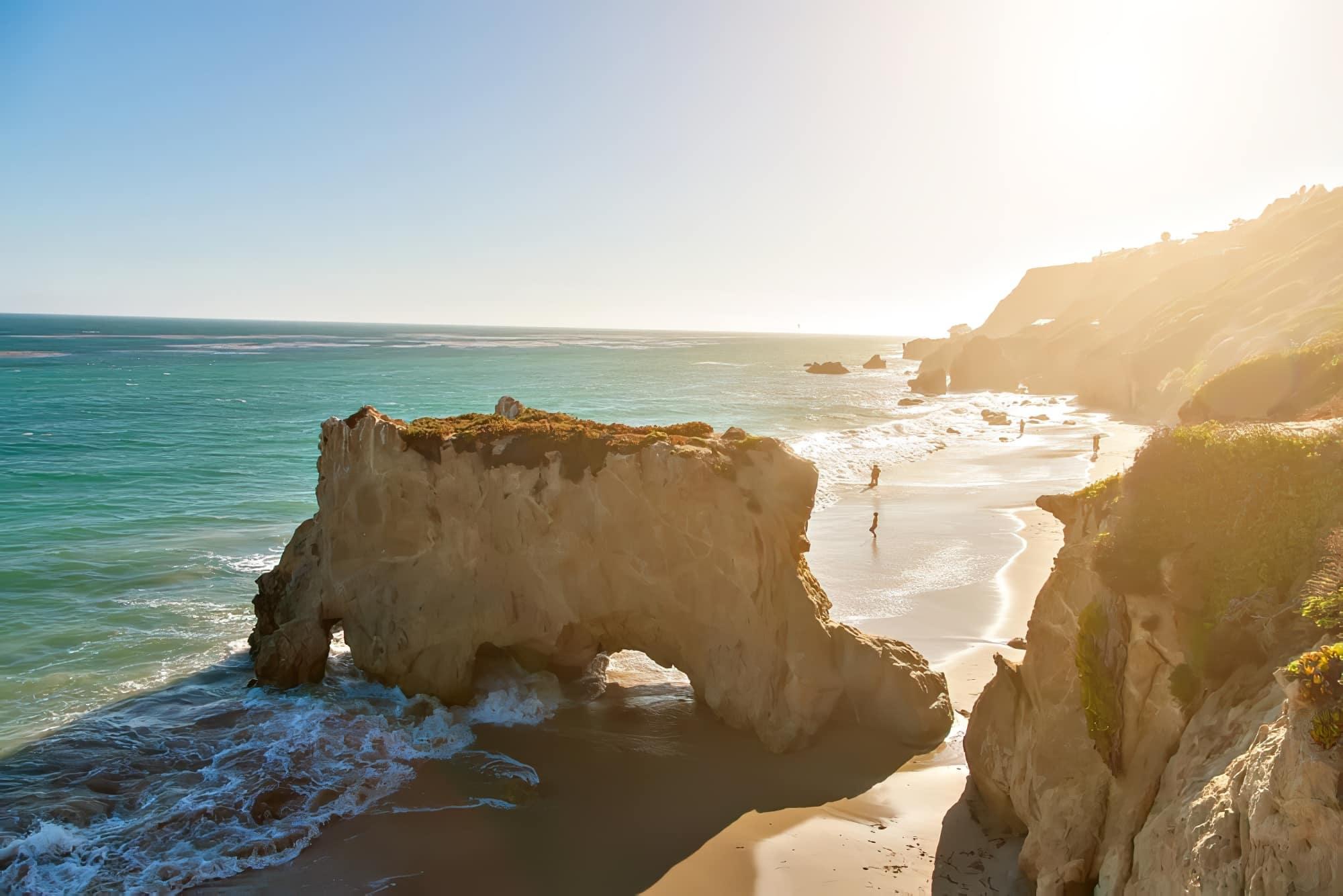 Les 16 meilleurs spots de surf à travers le monde
