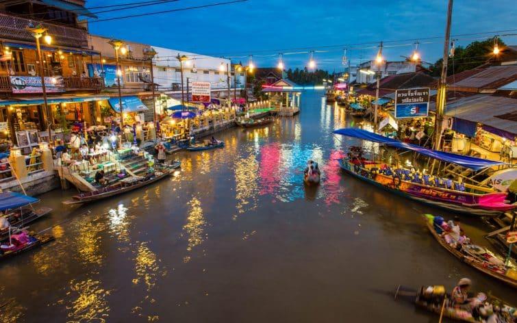 Amphawa, l'un des plus grands marchés flottants de Bangkok