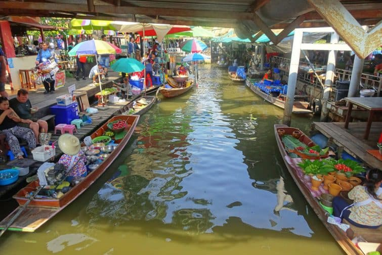 Marché flottant de Taling Chan