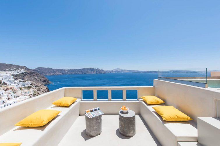 The 'Top Caldera view' villa in Oia