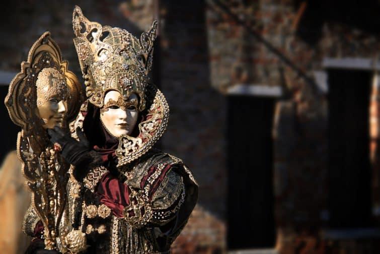 Personnes costumées au Carnaval de Venise