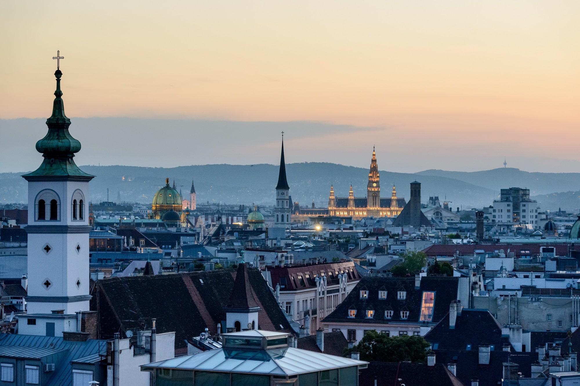 Vue panoramique de Vienne au coucher du soleil