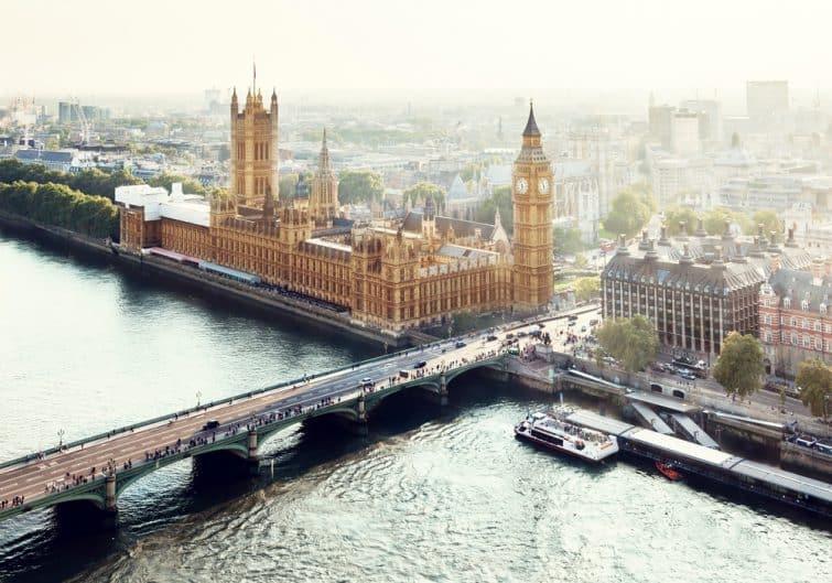 Vue aérienne sur Westminster Palace et Big Ben, Londres