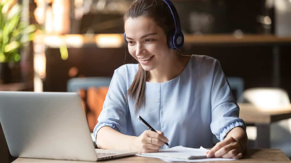 Les 11 meilleurs sites pour prendre des cours d'anglais à distance
