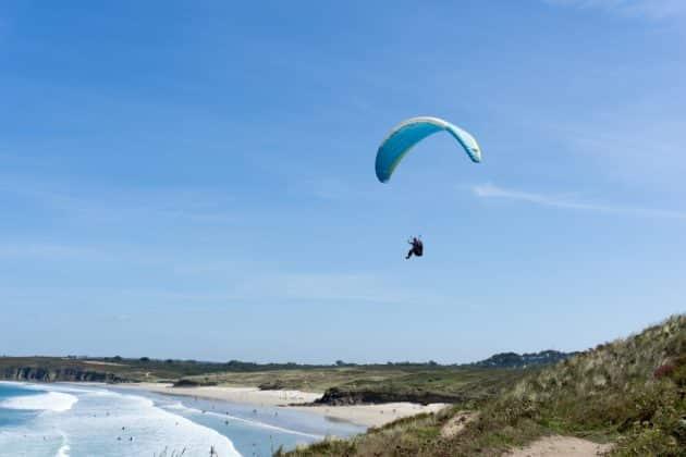 Où faire du saut en parachute en Bretagne ?