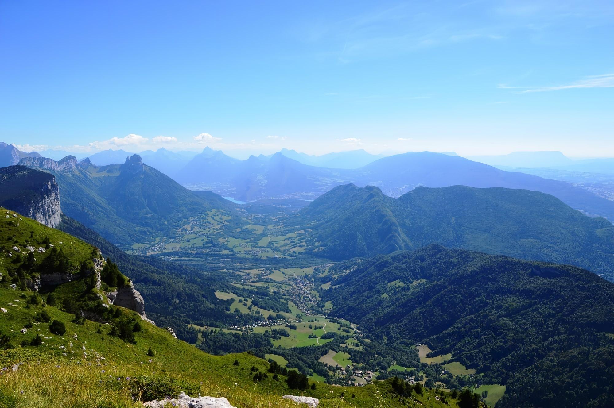 Le Parmelan Massif des Bornes Vue sur Annecy Lac d'Annecy Haute savoie Alpes