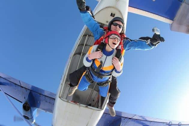 Où faire du saut en parachute autour de Lyon ?