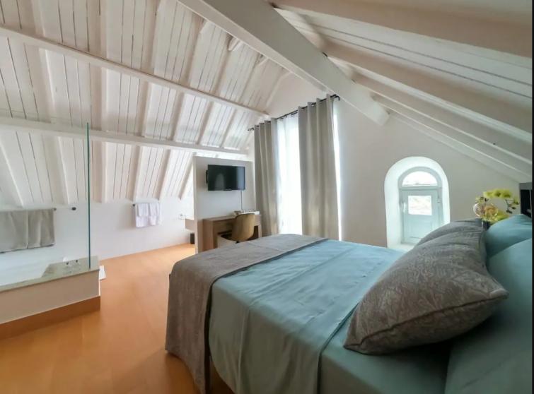 airbnb cap 10