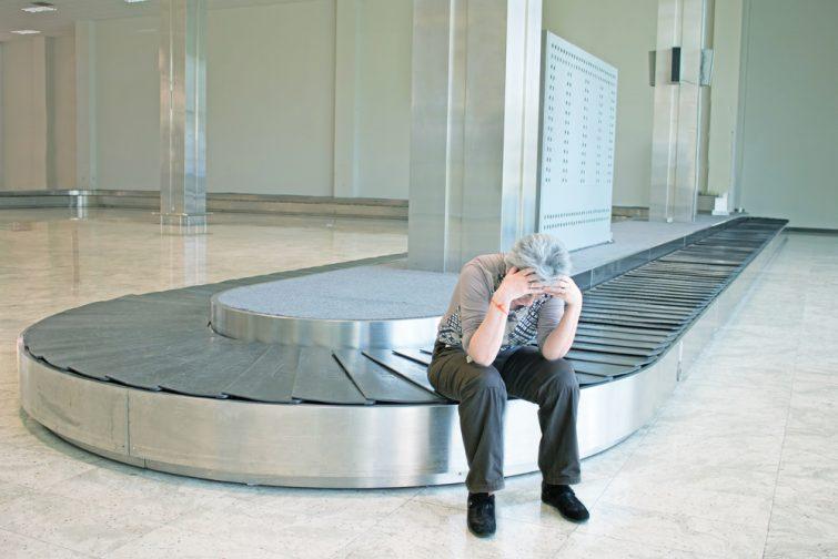 Voyageur ayant perdu son bagage en avion
