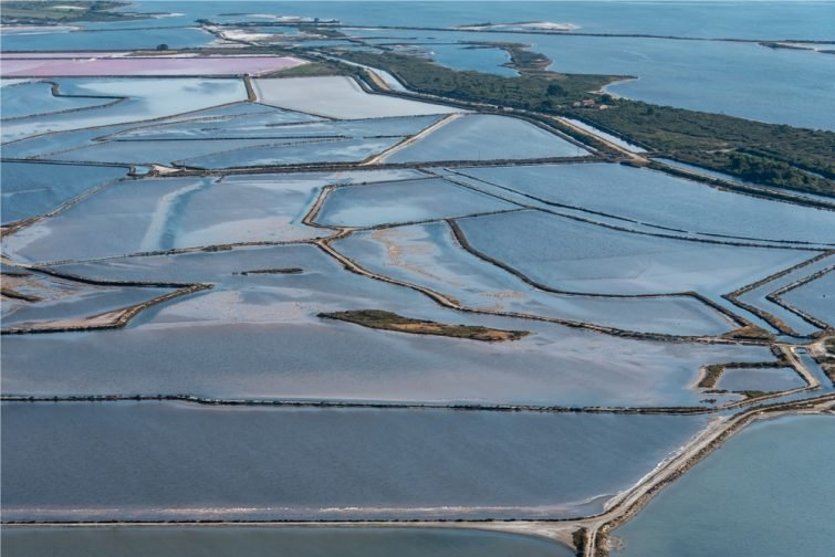 Vue aérienne des Salins, Aigues-Mortes