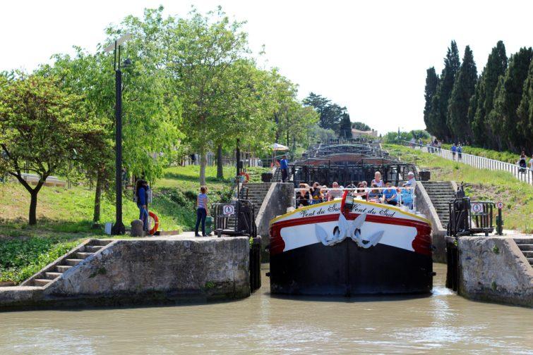Visiter le Canal du Midi en péniche