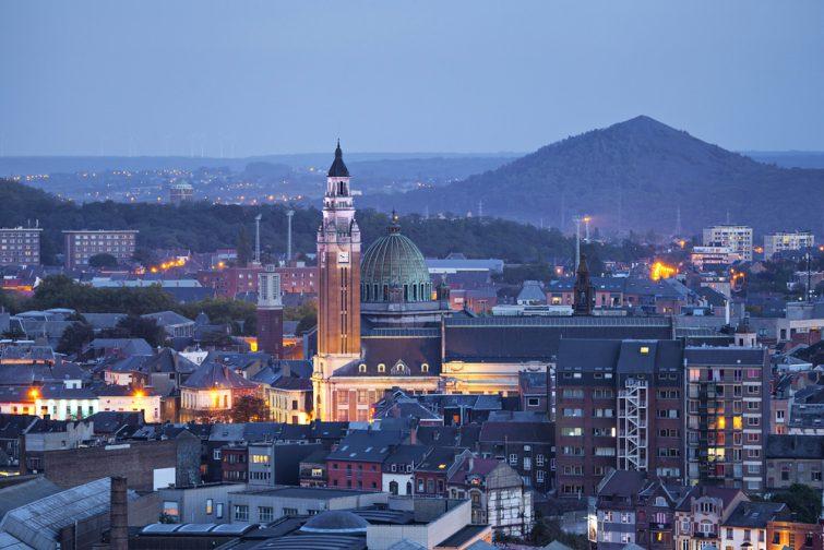 Ville de Charleroi de nuit, Belgique
