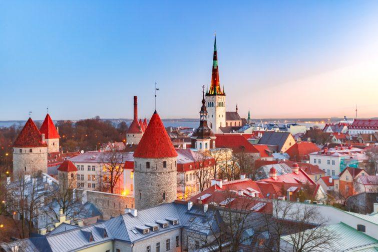 Vieille ville de Talinn, à découvir lors d'un voyage en Estonie en camping-car