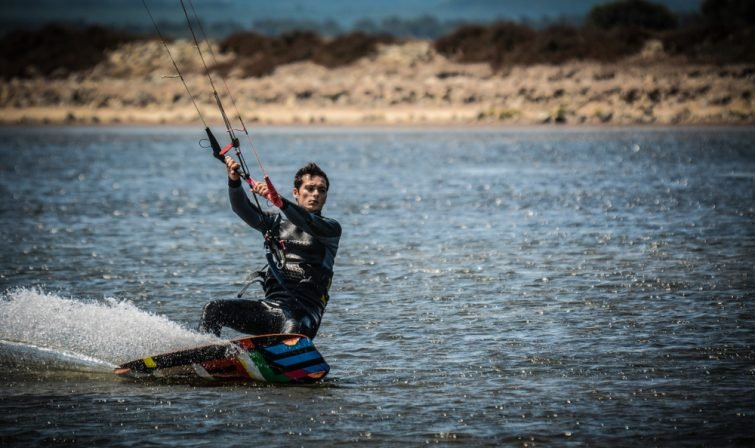Faire du kite-surf à Gruissan