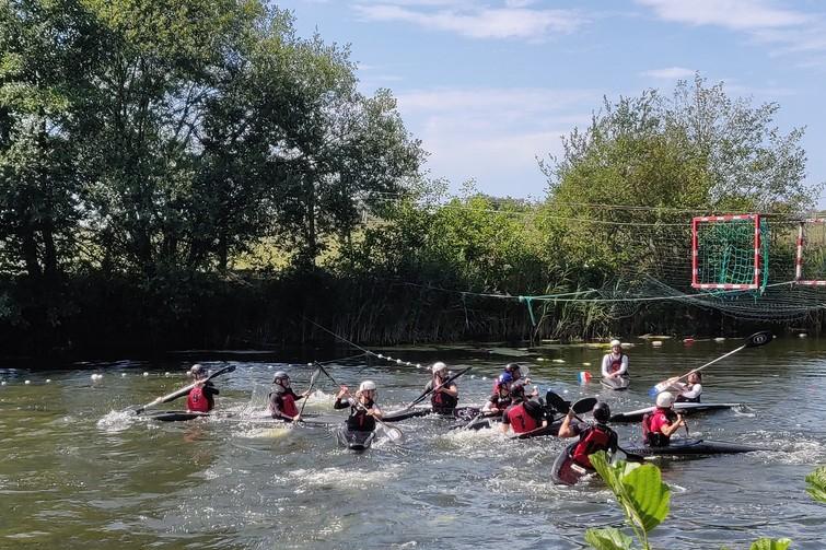 Faire du canoë-kayak sur la Sélune