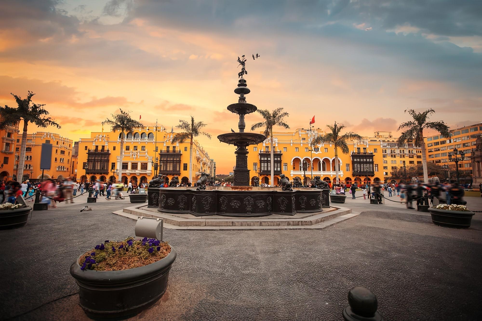 Plaza Mayor, Lima