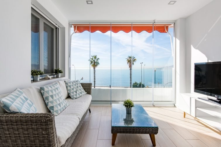 Loft avec grande terrasse sur la plage