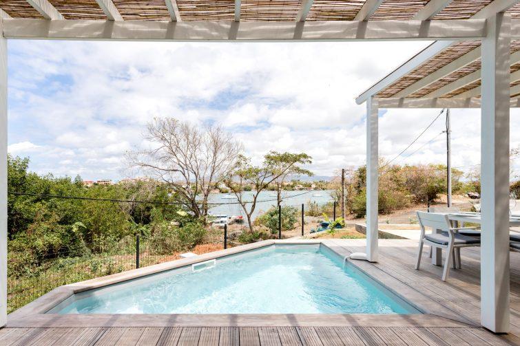 Belle villa près de la plage aux Trois-Îlets